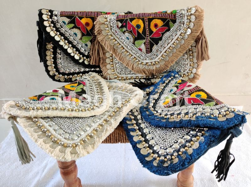 2021 Beaded Embroidered Jute Clutch