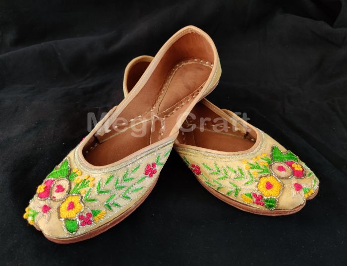 Floral Embroidery Leather sole jutti